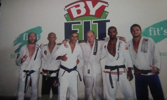 L-R: A load of total badasses, and some white belt noob.